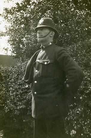 Constable B330 Gerald Loder CROUCH