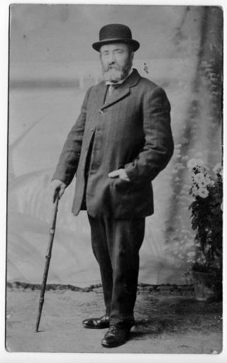 Robert Dunn's grandson, also called Robert, who served with the Metropolitan Police | Mr Chris Dunn