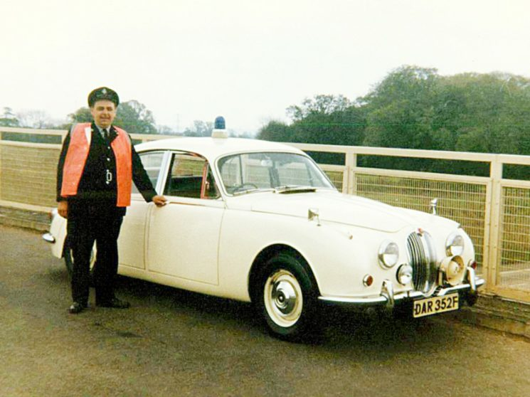 Jaguar 340 Traffic Cars
