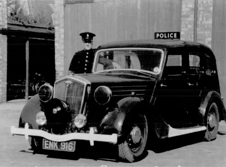 1939 Wolseley ENK 916 with wartime markings.