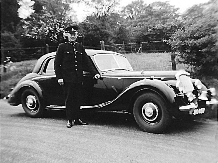 Riley RM patrol car with PC Frank ??? (maybe Frank Allen)