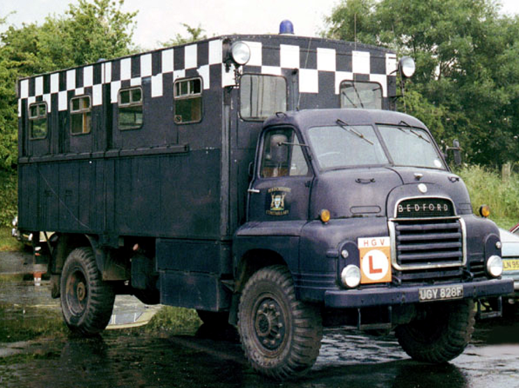 UGY 828F, Bedford RL 4x4 front view