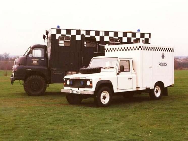 1988 - the Bedford is replaced by a Land Rover E997 KAC