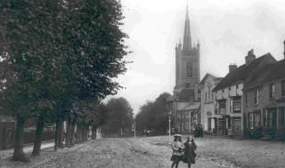 Postcard of St Michaels Church and Windhill, Bishops Stortford | BISHM 462