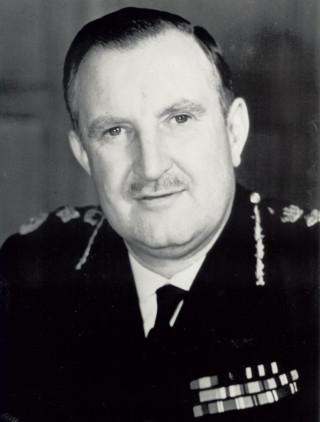 Young, Arthur Edwin. 1945 - 1947